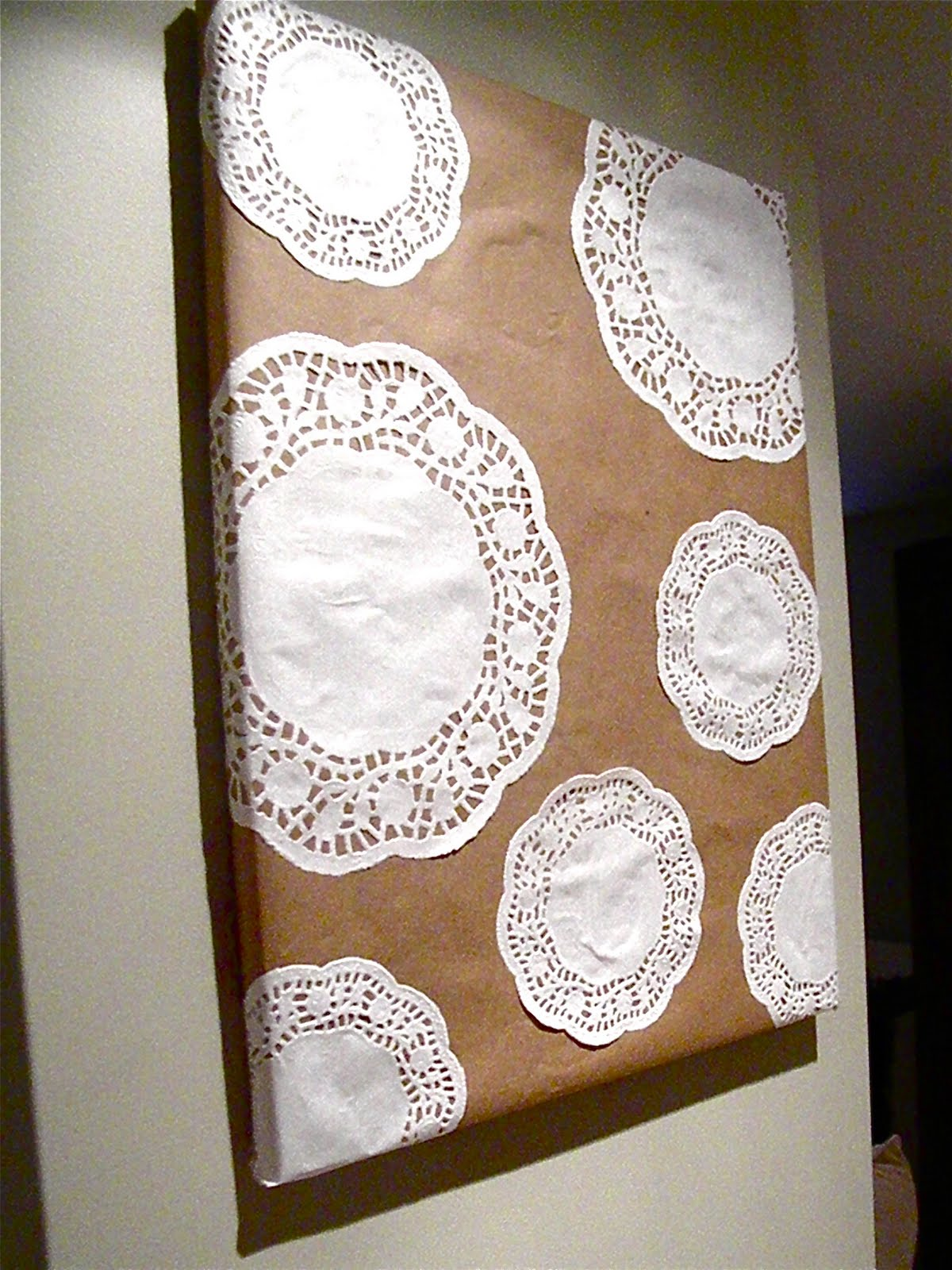 May Contain Nutz: DIY Tutorial - Doily Wall Art