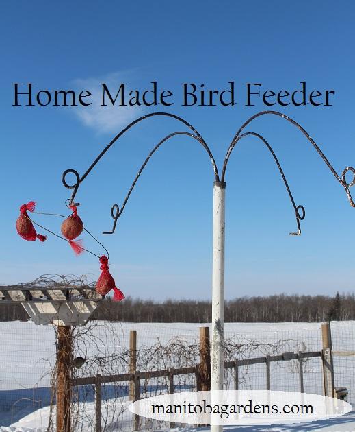 Mesh bag bird feeder