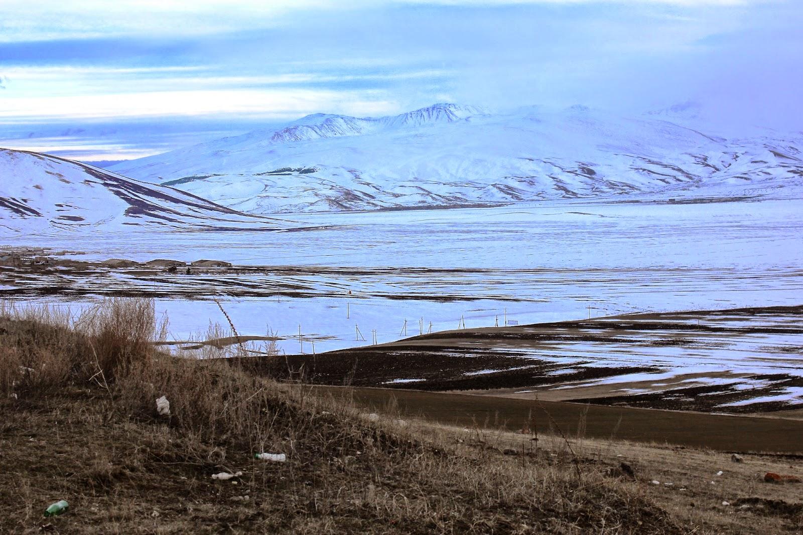 Plaskowyż w Armeni - droga do erywania