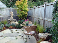 DIY narrow backyard patio decoration
