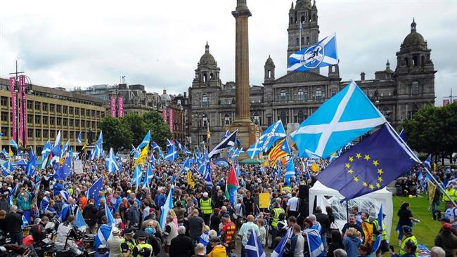 Thousands of Scots rally for independence in Glasgow