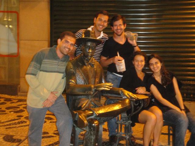 Vinho do Porto - Rua Augusta - Estátua de Fernando Pessoa - Lisboa - Portugal