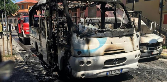 Bus caught fire in Kruje, one dead and 12 wounded