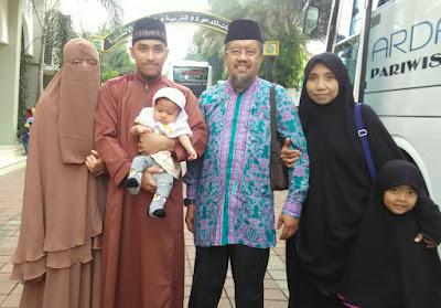 Maaher At Thuwailibi Bersama Ayah - Ibu - Istri