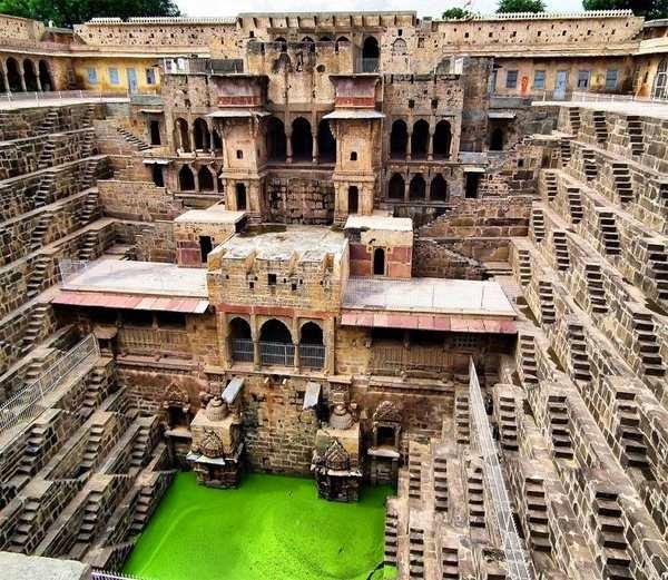 1-चांद बाओरी,राजस्थान  (Chand Baori)