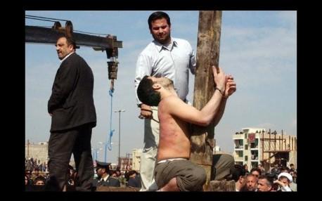 lapidacion homosexual arabia pena de muerte horca