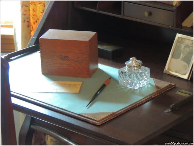 Casa de Nacimiento de Jonh F. Kennedy: Caja Clasificadora en el Despacho