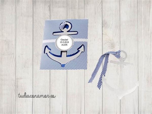 Punto de libro de estilo marinero con forma de ancla, este marca páginas es perfecto para una boda de temática náutica o playera