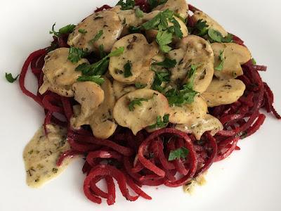Spaghetti warzywne z buraka