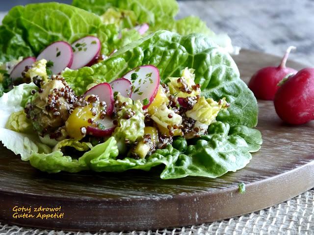 Sałatka z quinoa, awokado i mango - Czytaj więcej »