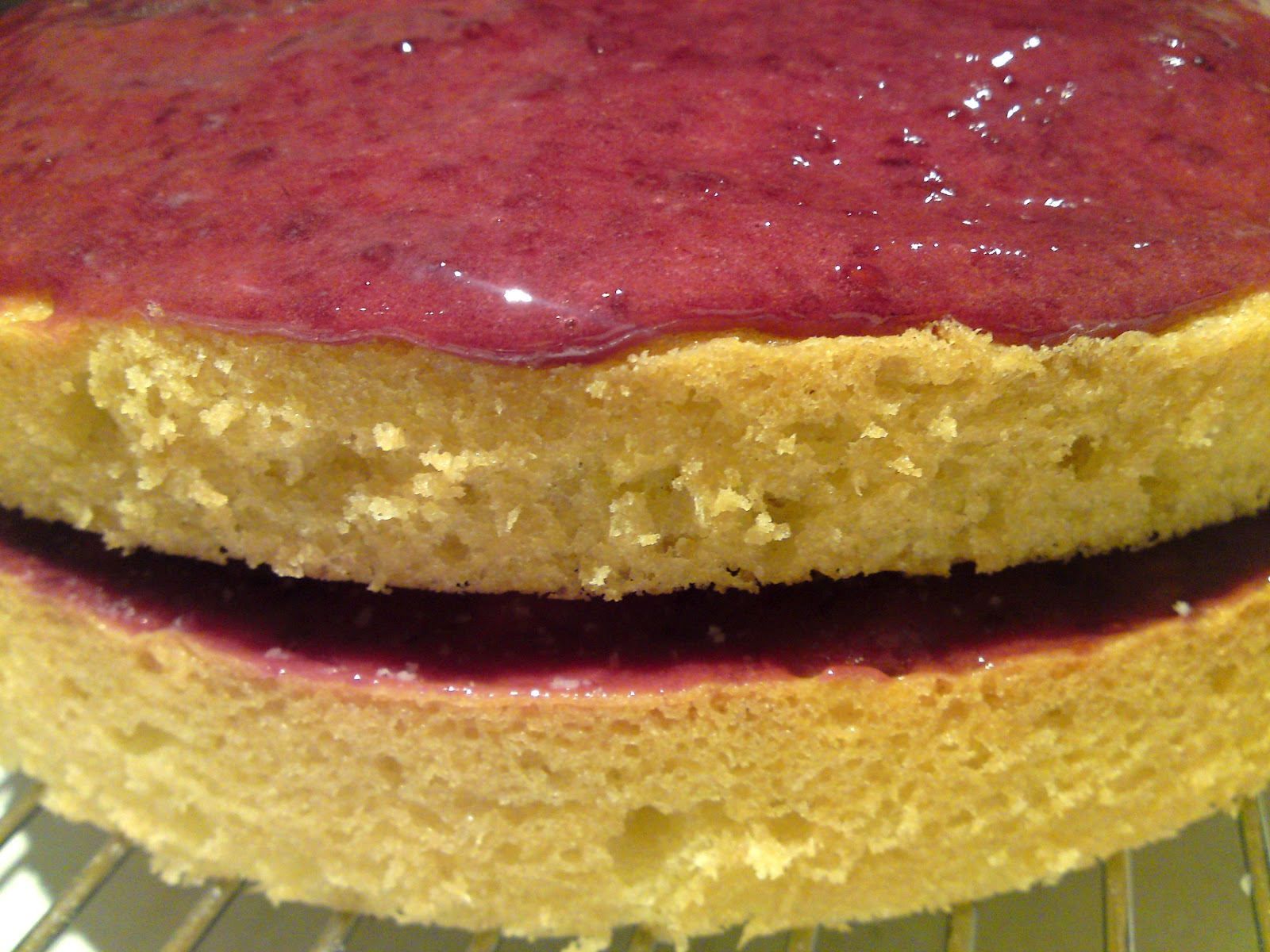 how to make cherry bakewell cake