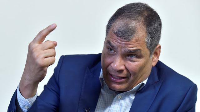 """Bloquean la página de Facebook de Correa y él lo atribuye a la """"desesperación"""" por el caso 'INA Papers'"""