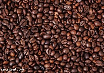 cara memutihkan wajah dengan kopi dan gula