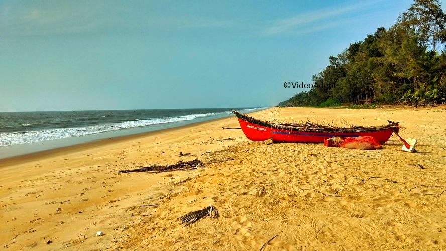 Moto Z Play Boat near Sea