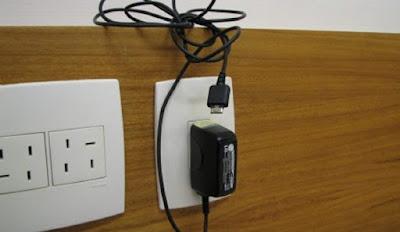 Deixar o carregador de celular na tomada é perigoso?, carregador de parede, carregar o celular a noite toda, carregador explode, celular, iphone7s, carregador de parede, curiosidade