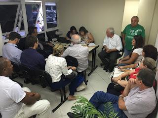 Procedimento licitatório para contratação de empresa para o Centro de Hemodiálise tem presença de representantes da Secretaria de Saúde, do Conselho de Saúde, do Observatório Social, de pacientes renais e familiares