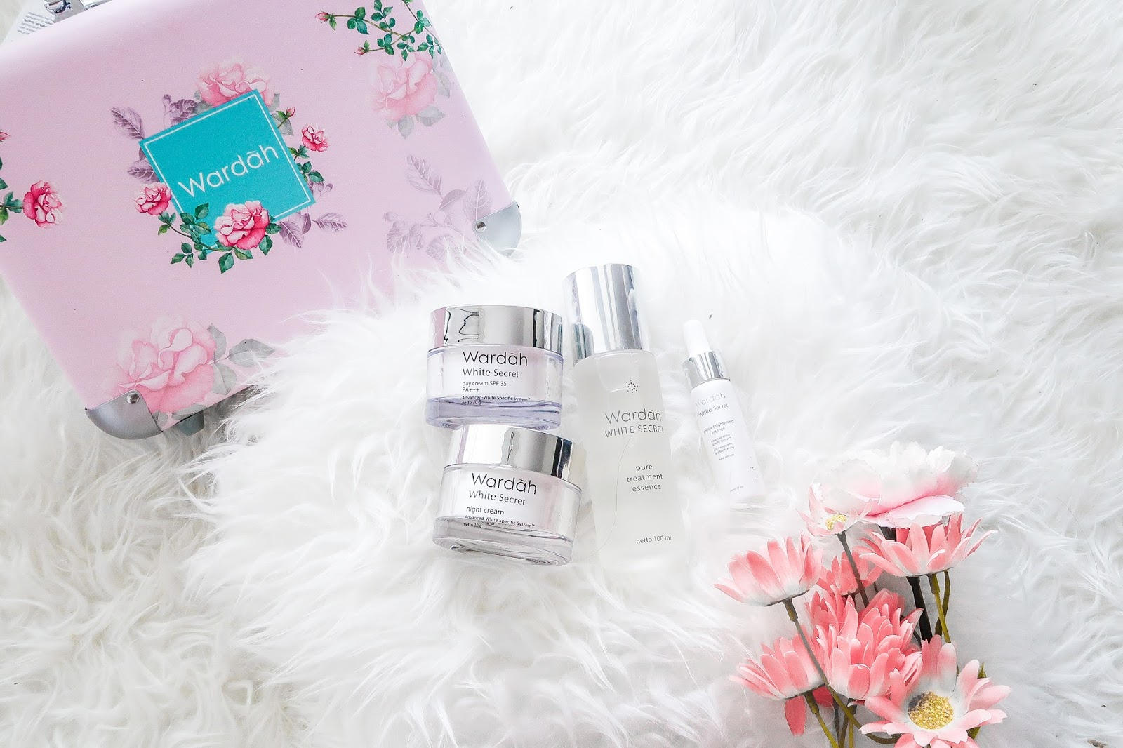 The Secret Of Instant Glowing White Skin Beauty Stella Lee Wardah Pure Treatment Essence Natural Ingredients Have Always Caught My Preferences Over Chemical Formula That Is Developed Into Care Product Market Nowadays Offering