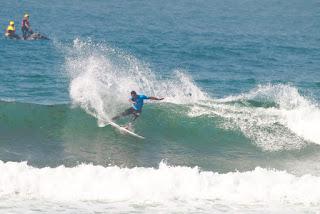 50 Michael Rodrigues BRA Pantin Classic Galicia Pro foto WSL Laurent Masurel