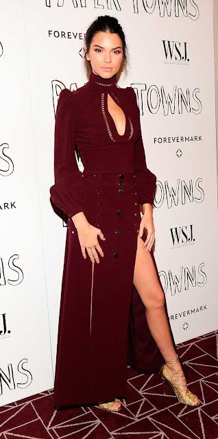 Kendall Jenner vestido vermelho escuro longo, festa