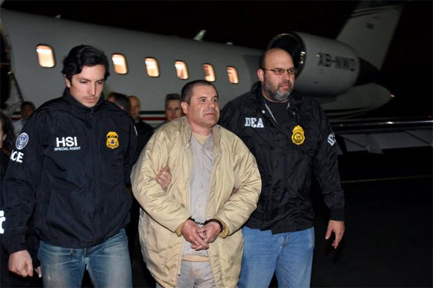 """Joaquín Guzmán, """"El Chapo"""", foi extraditado na noite dessa quinta-feira (19) pelo governo do México aos Estados Unidos"""