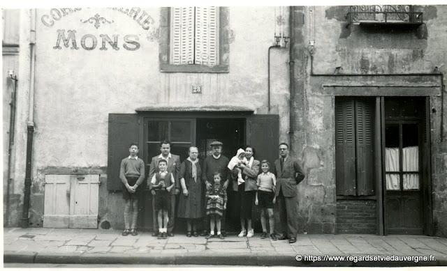 Riom 1962, la cordonnerie Mons.