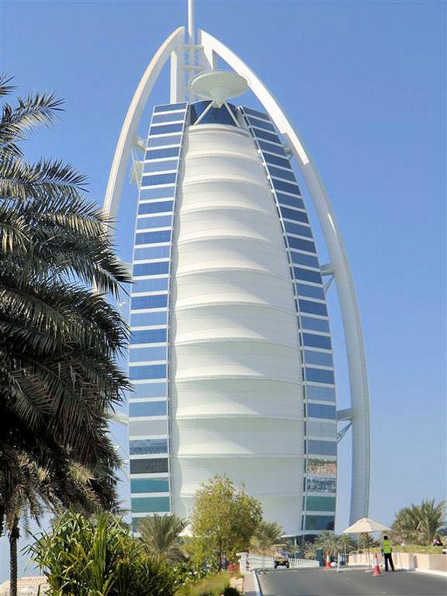 Burj Al Arab Dubai (C) JUREBU
