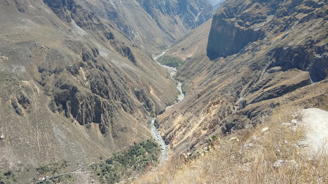 Colca Canyon gorge + river