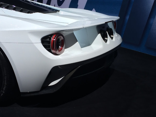 FORD GT arrière