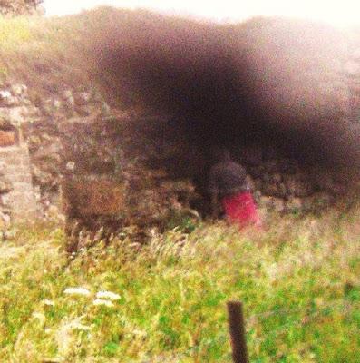 Sosok Hantu Tertangkap Foto di Puri Newark, Skotlandia