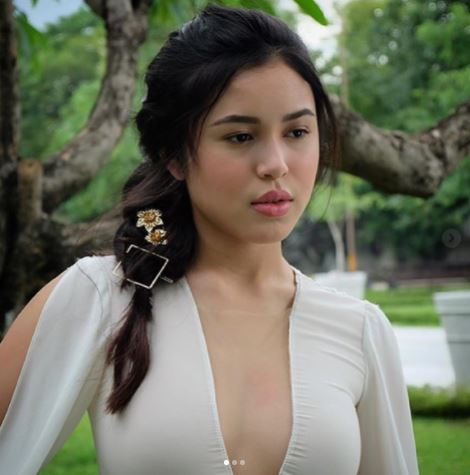 Claudia Barretto's Mesmerizing Beauty Shines With These Pre-Debut Photos That Will Make Your Jaw Drop!