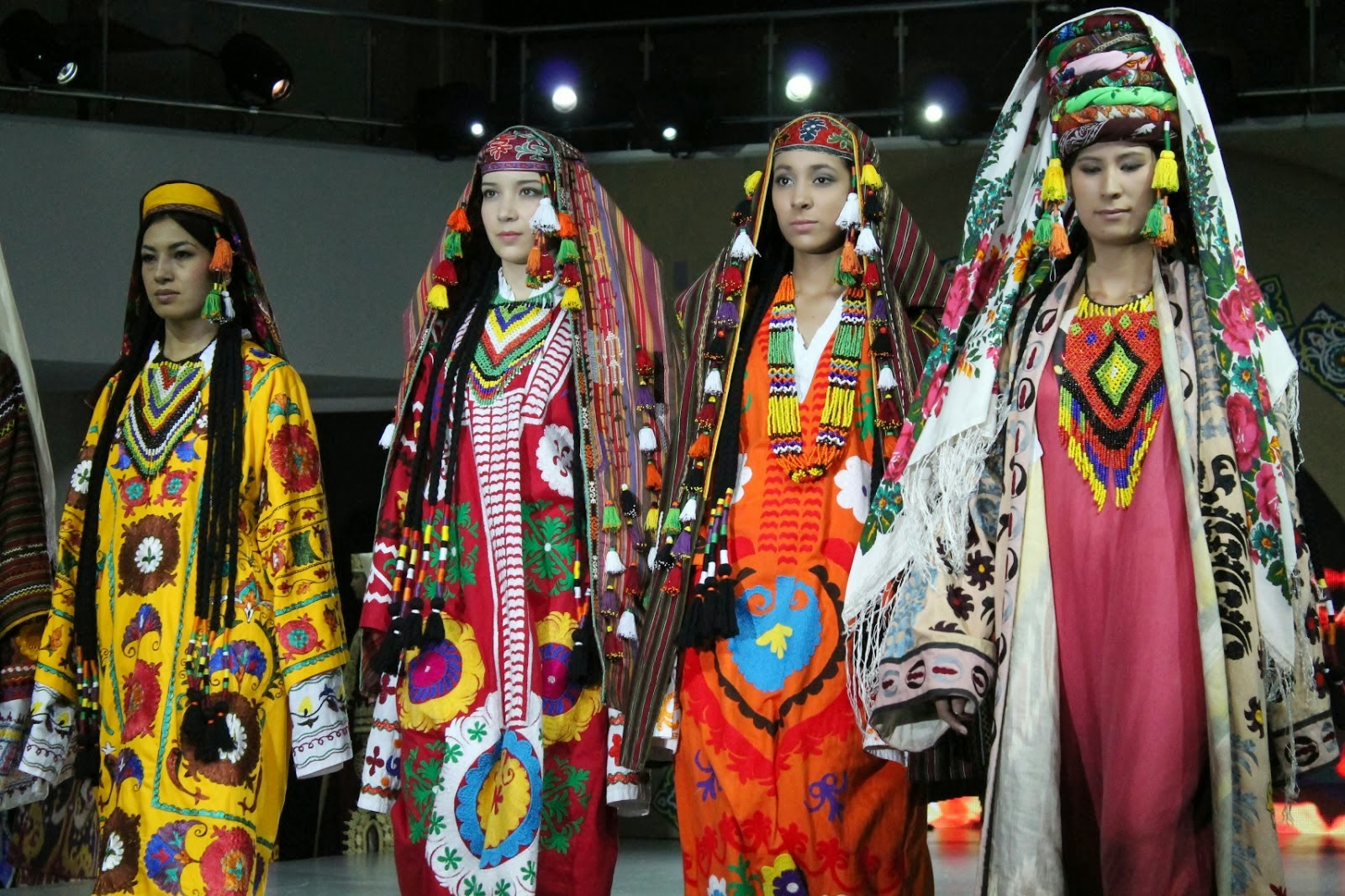 Central Asian Clothing 66