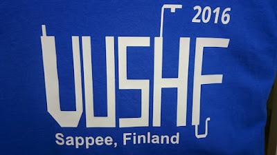 RATS leirin T-paidan selässä oli leirin logo