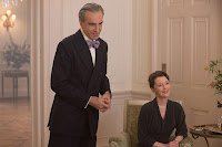Daniel Day-Lewis and Lesley Manville in Phantom Thread (3)