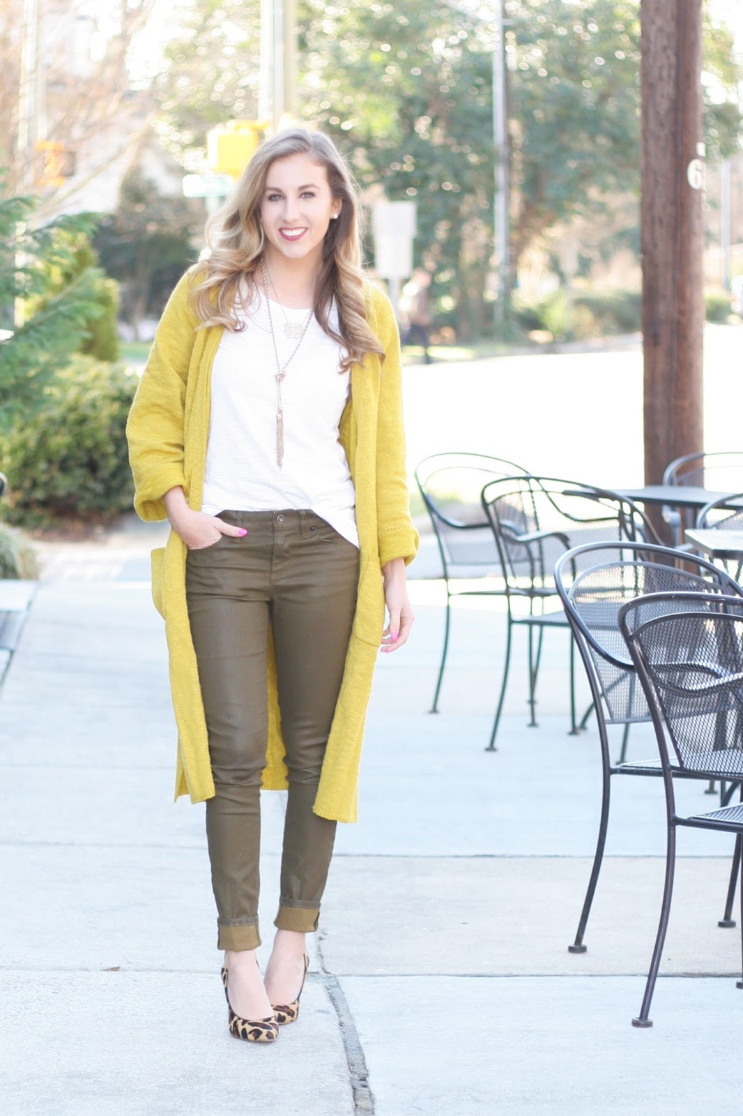 How-to-wear-military-olive-green-pants-and-a-long-cardigan