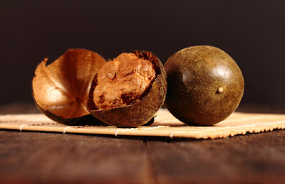 12 Reasons To Swap Sugar For Monk Fruit Extract: The Zero Calorie Sweetener That Can Make You Live Longer