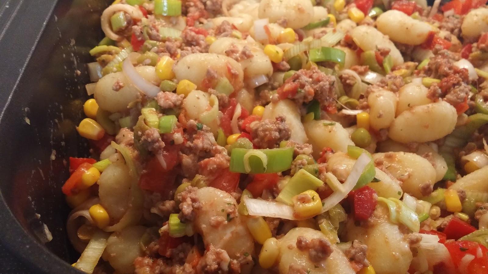 Allerlei Rezepte und mehr: Mexikanische Gnocchi-Hack-Pfanne