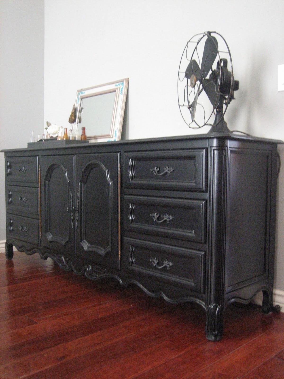 European Paint Finishes Black Dresser Amp A Bed