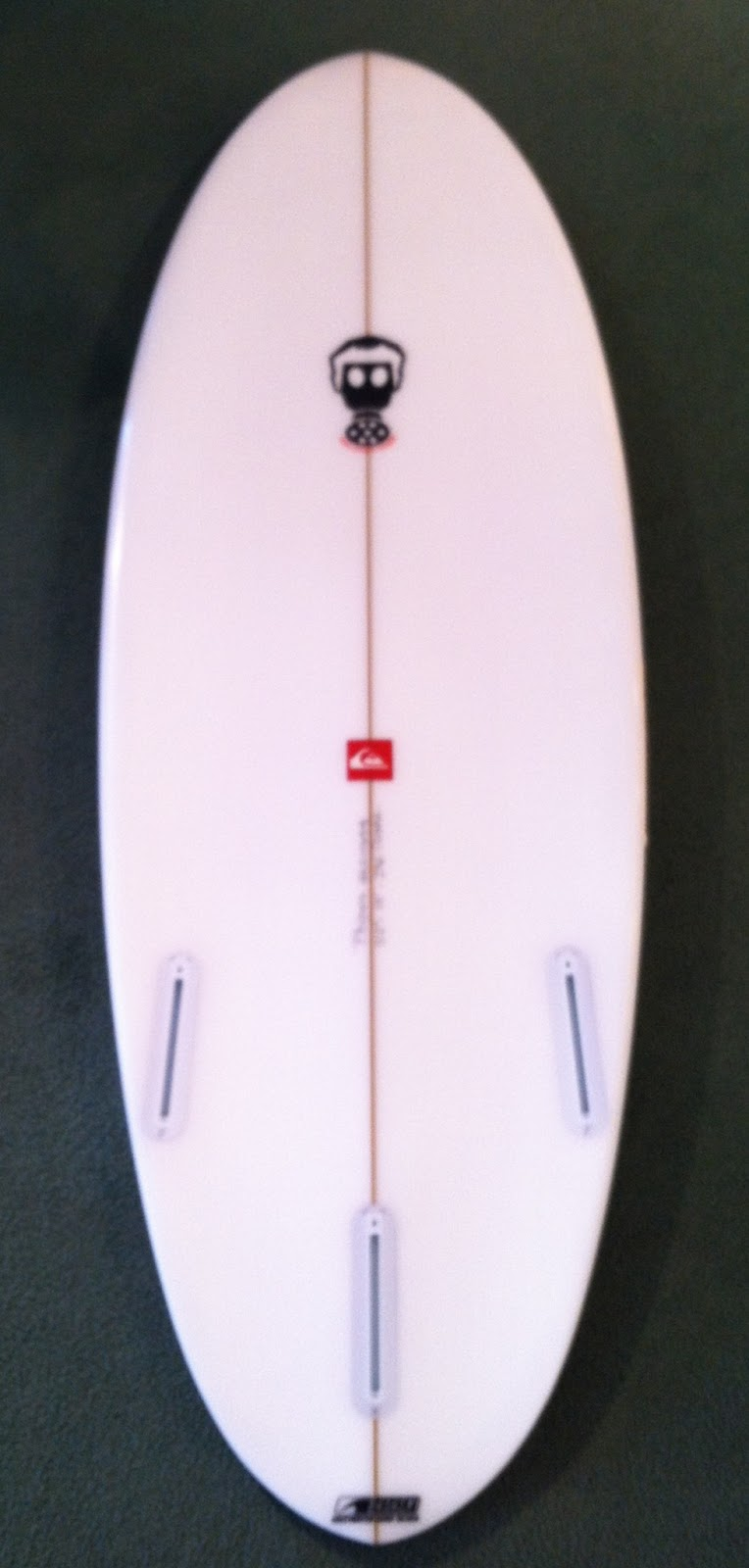 http://3.bp.blogspot.com/-IZ0ifHzr370/T6glAZkGqOI/AAAAAAAAAUI/wowjgsDZz7Y/s1600/photo_3%2818%29.JPG Quiksilver Surfboards