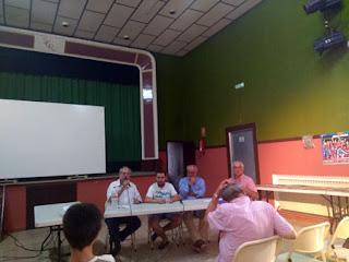 Esguard de Dona - D'esquerra a dreta: Genís Ruiz, moderador; Daniel Crespo;<br />Joan Palau i Joan Basseda, president de la SCR Sant Jaume dels Domenys<br />Foto: Dolors Garcia<br />