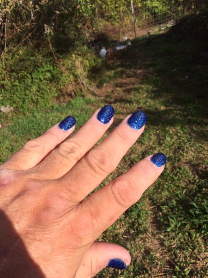 Men and nail polish: Learning to do Acrylic nails