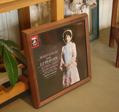 レコードジャケットを飾る額縁・majakka