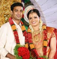 Jyotsna Radhakrishnan Family Husband Son Daughter Father Mother Age Height Biography Profile Wedding Photos