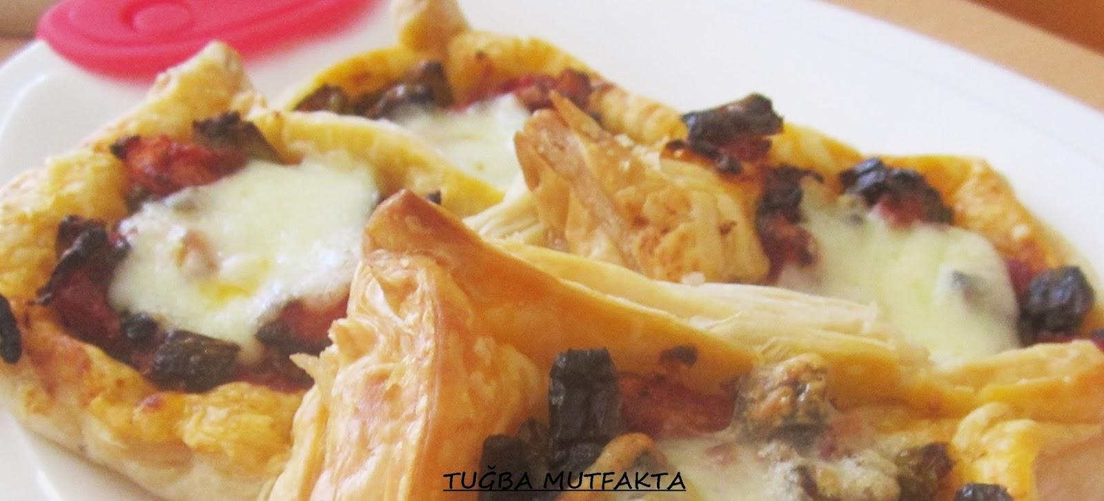 Domatesli Ve Biberli Milföy Börek Videosu