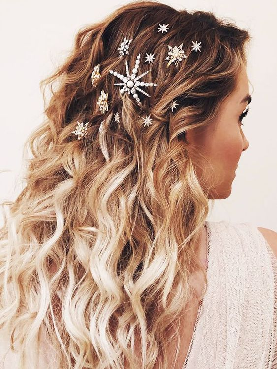 30 Gorgeous Christmas Hairstyles To Brighten Your Holidays