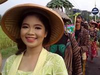 200 Tumpeng Meriahkan Festival Desa Glinggang Ponorogo