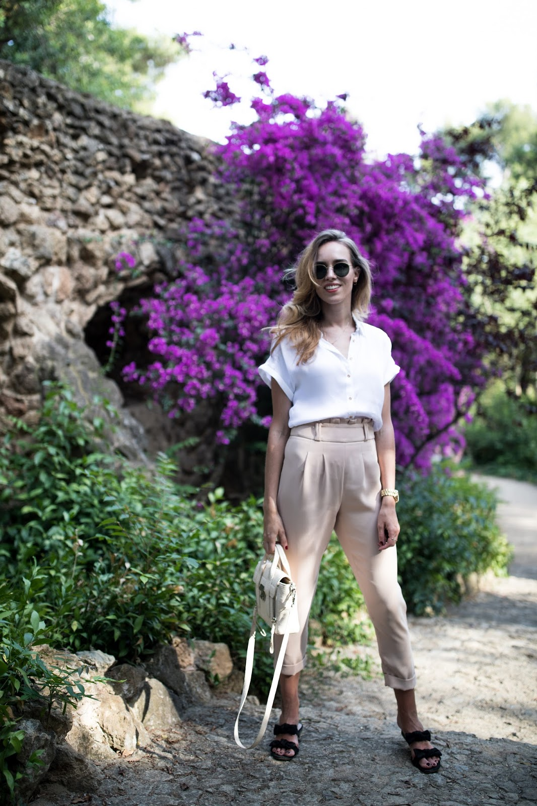 white shirt summer minimalist outfit