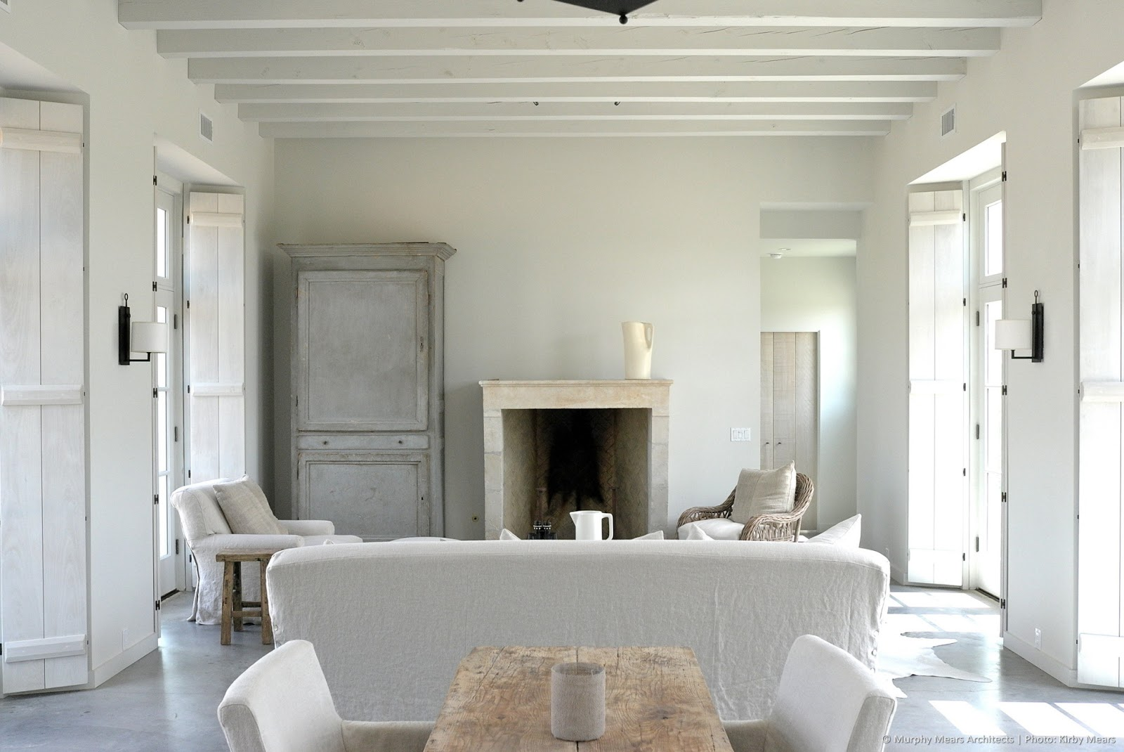 Modern farmhouse spare French country living room by Eleanor Cummings