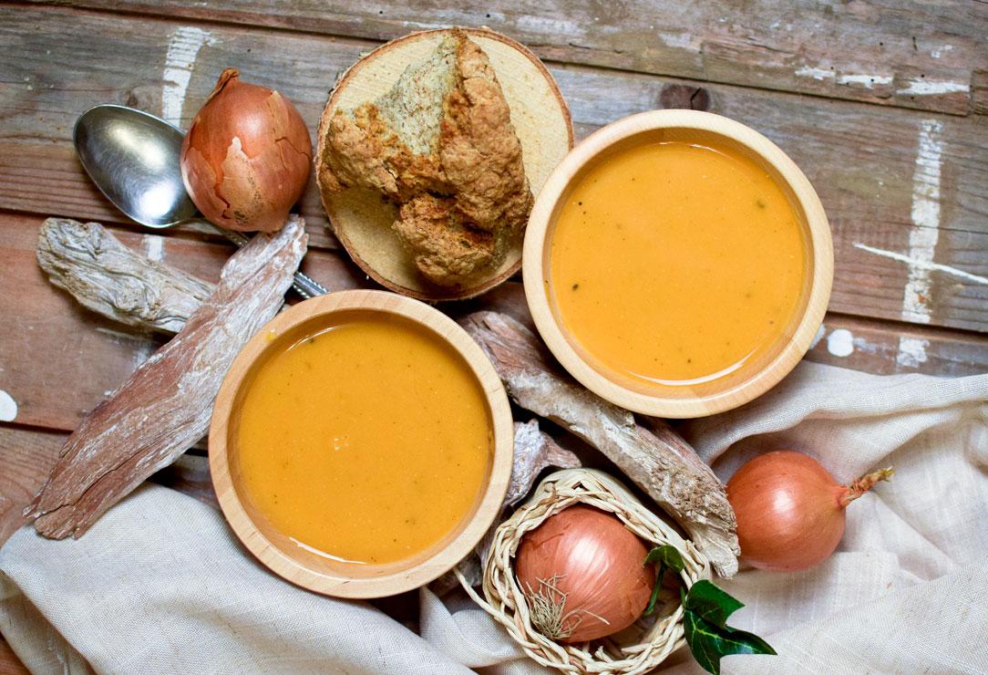 einfaches Rezept für Süßkartoffelsuppe mit Kokosmilch und Ingwer