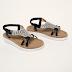 Sandale negre cu talpa joasa de vara cu accesoriu argintiu la moda ieftine
