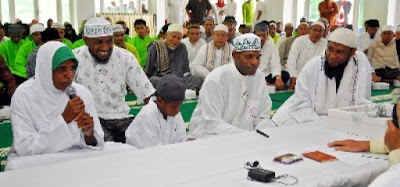 Anak Kepala Suku Asmat Hafiz Quran